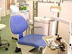 診 療 室